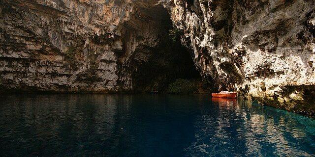 Melissani Höhle