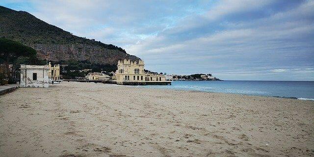 Beliebte Sehenswürdigkeiten in der Umgebung vom Mondello Beach