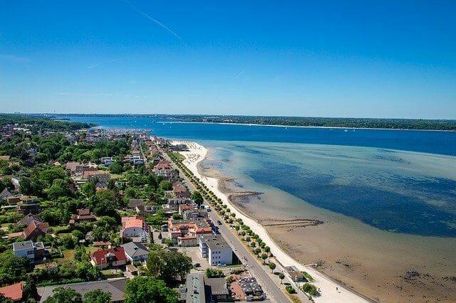 Was bietet die Laboe Strandpromenade?