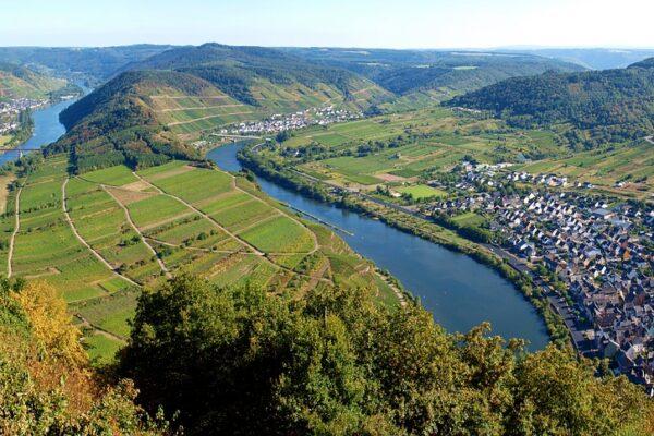 Aussichtspunkt am Moselschleife Bremm