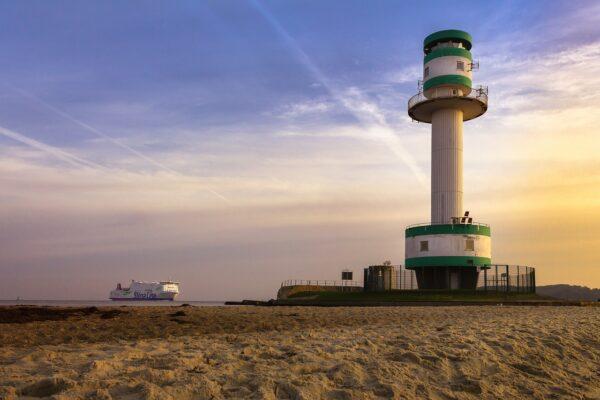 Was bietet der Strand Falckensteiner in Kiel?