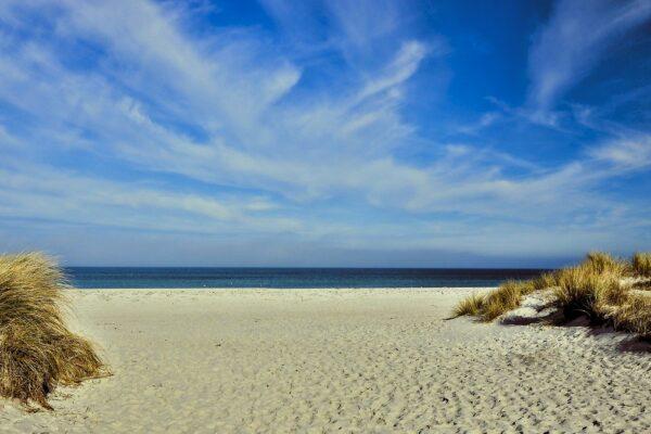 Was sind die längsten FKK Strände an der Ostsee?