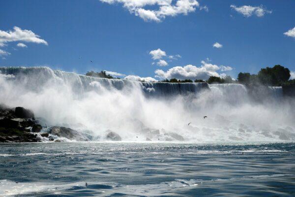 Die Niagarafälle sind ein erstaunliches Naturwunder